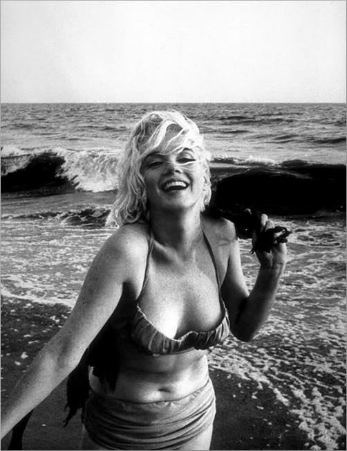 62080ab3fc99f1 Marilyn Monroe cuchnęła – sekrety gwiazdy kina